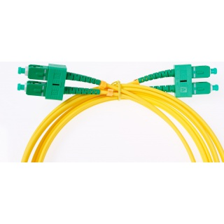 Medium* patchcord SC/APC-SC/APC 1m, DX, G657A, PVC